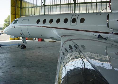 czyszczenie samolotów - zdjecie samolotu po umyciu